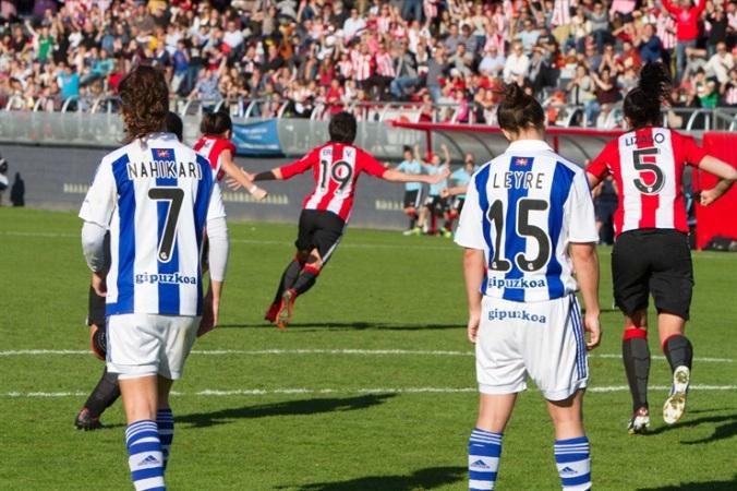 El Athletic golea a la Real para seguir colider junto al Atlético